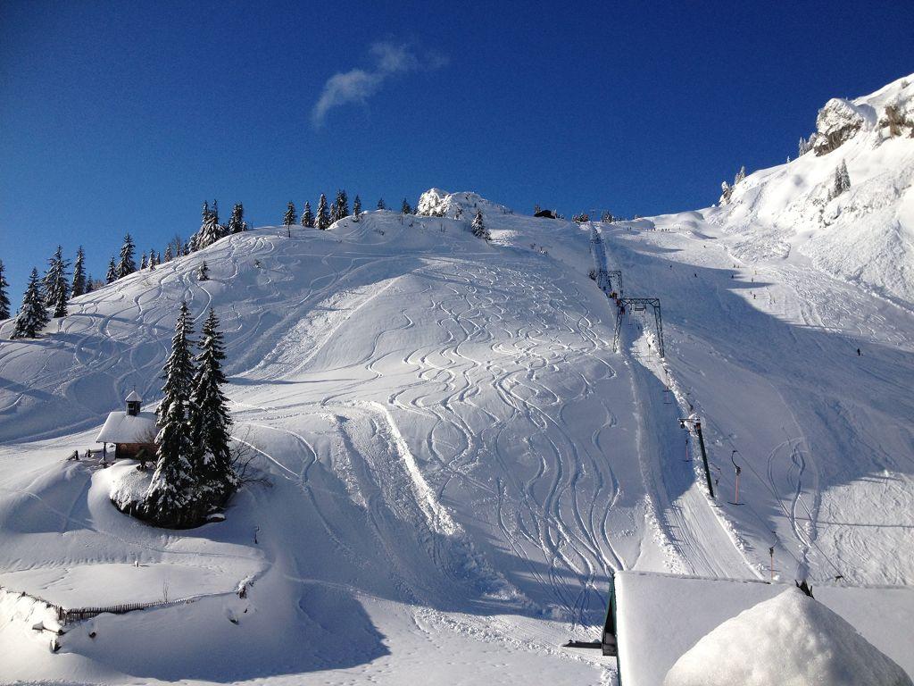 Idealhang im Skigebiet Brauneck bei Lenggries - © bergeandmore