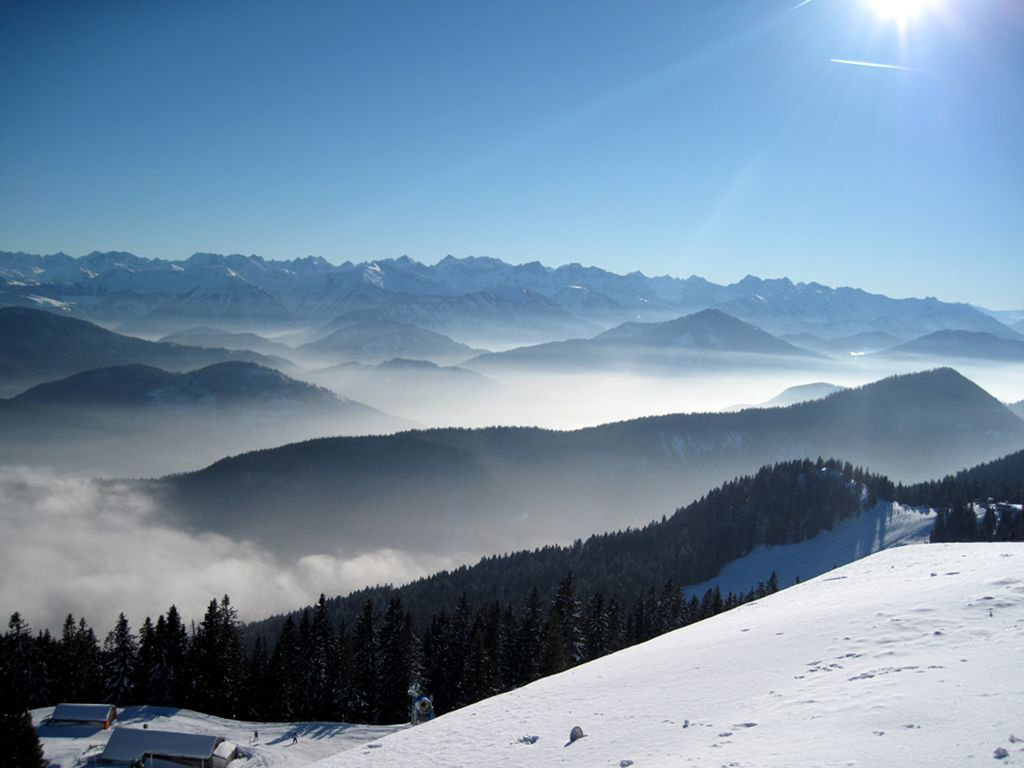Panoramablick Brauneckbergstation © bergeandmore