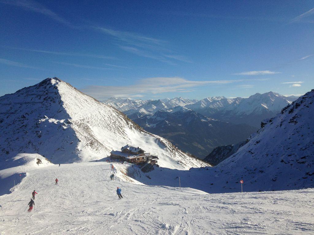 Wedelhütte auf 2350 Meter - © bergeandmore